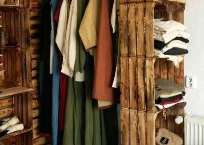 1001 CAISSES - GALERIE 1001 CAISSES POUR 1001 IDÉES - LES CAISSES DANS LE DRESSING  - 14